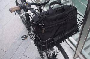 シティクロスはビジネスバッグも収納可能