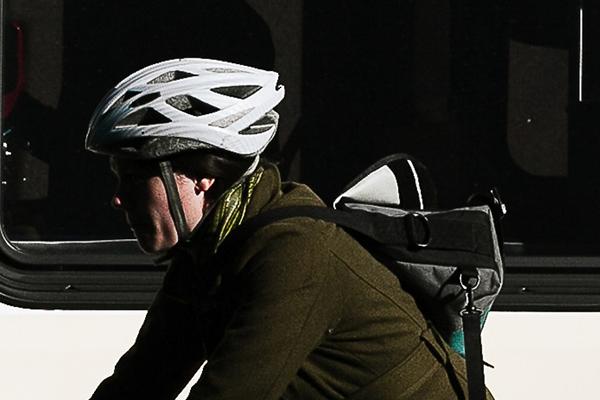 自転車通勤にヘルメットは必要?