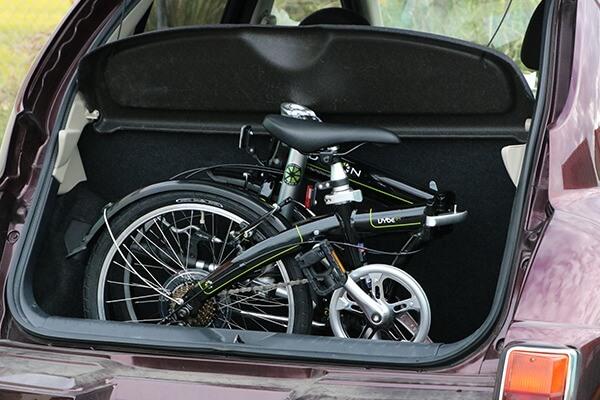 レジャーや輪行に適した折りたたみ自転車